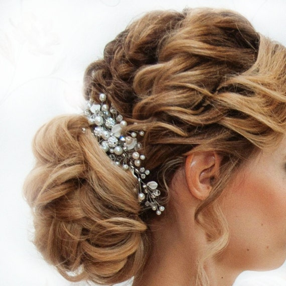 Bridal pearl hair comb, Silver Wedding hair piece Leaf