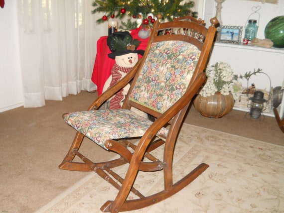 Fine Antique Victorian Folding Rocking Chair For Nursing Or Child Size Pdpeps Interior Chair Design Pdpepsorg