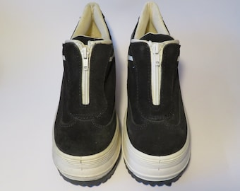 885e4a91e64e Vintage 90 s Platform Wildflower Black and White Zip Up Sneakers Trainers  Size EU 37 UK 4 US 7