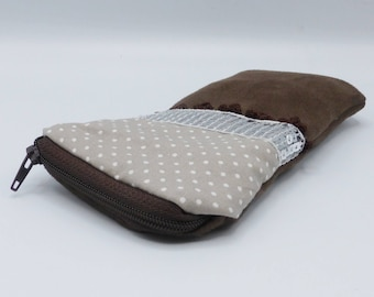 Beige and brownspotted glasses case in faux suede and cotton