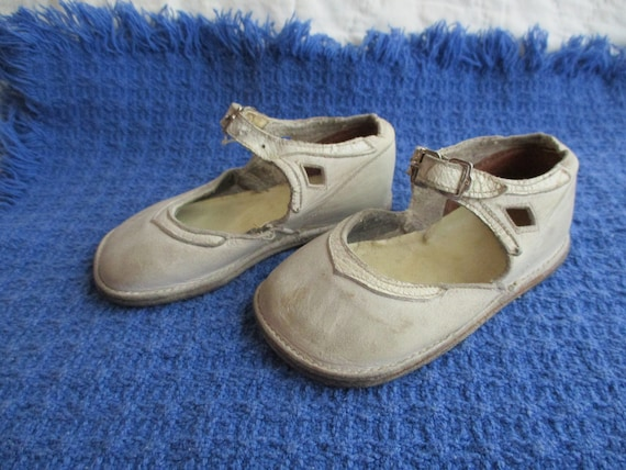 1930's toddlers shoes, white leather with strap