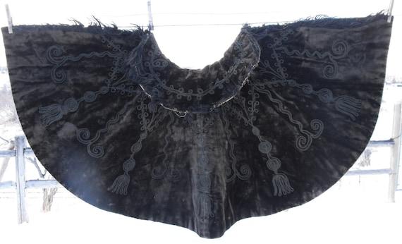 Victorian cape, black embroidered velvet, origina… - image 1