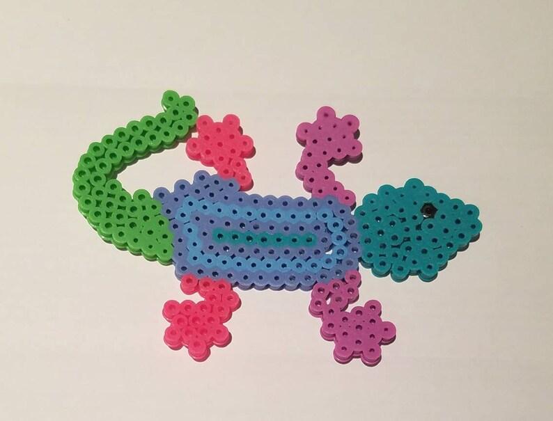 Lizard beaded magnet perler bead lizard fridge magnet hama  2e70cf59d072