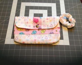 Wristlet purse