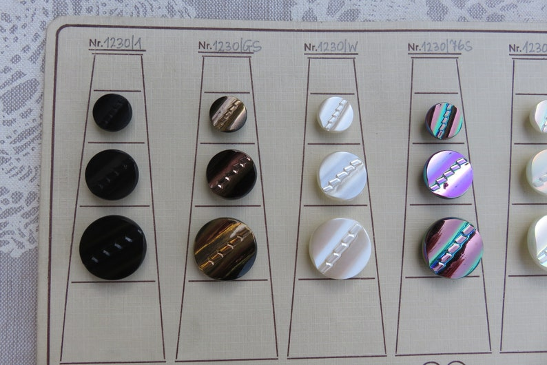 45 vintage glass buttons 60s gold d\u00e9cor on original Salesmencard button card 13.5-22 mm glass button Germany Collector buttons