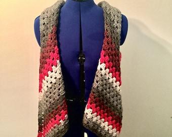 Granny triangle shawl - red velvet