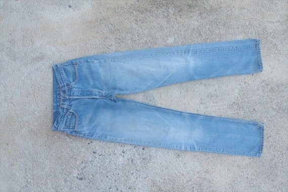 Beautiful Faded jeans,vintage 80s levis 501 Blue J