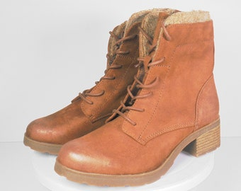 b74a71aa66b2 Womens Combat Style Boots Size 8 M
