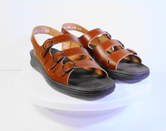 03c22dae5ab3 Clarks Sunbeat Leather Sandals Size 9 M
