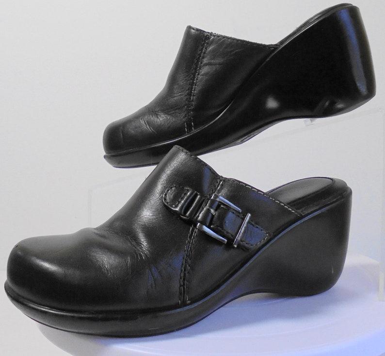 e9e6acd977 Etienne Aigner Black Leather Wedge Heel Mule Size 6 Medium   Etsy