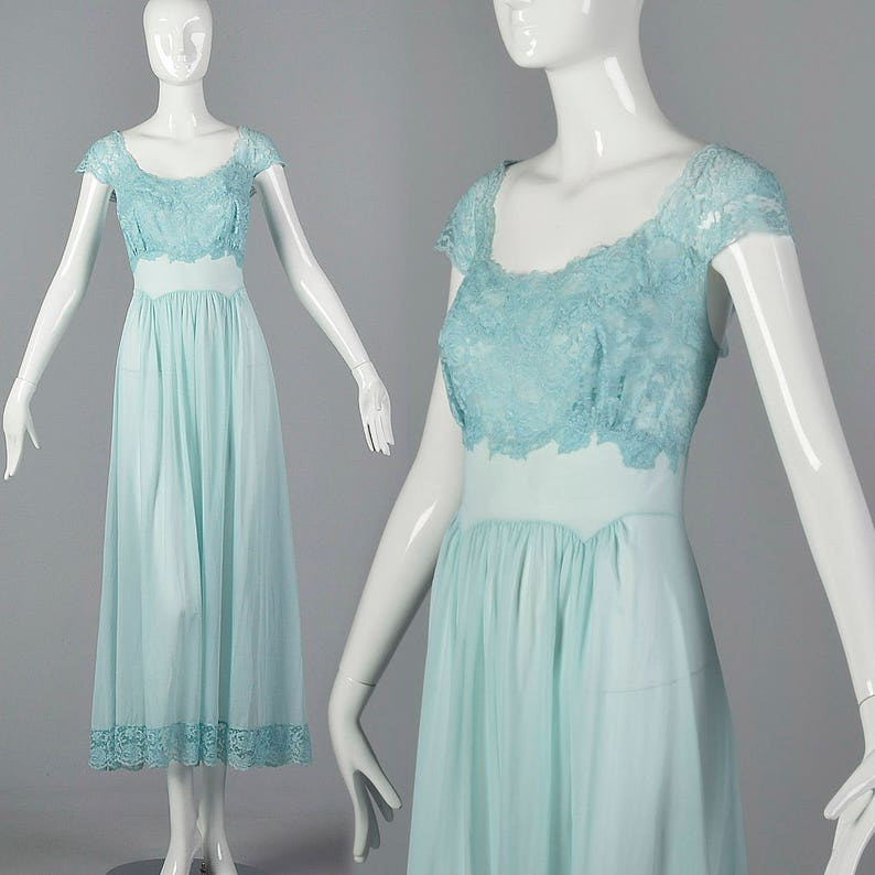 dca73bcdc8 Medium 1950s Vanity Fair Blue Nightgown Lace Shelf Bust Short