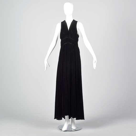 Medium 1930s Formal Gown Black Silk Velvet Evening