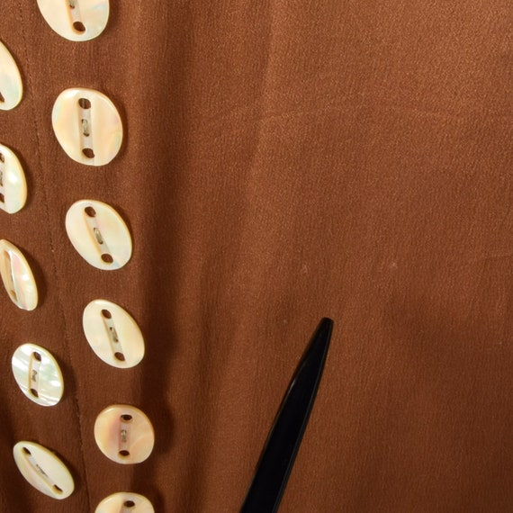 XXS 1920s Brown Silk Dress Mother of Pearl Button… - image 9
