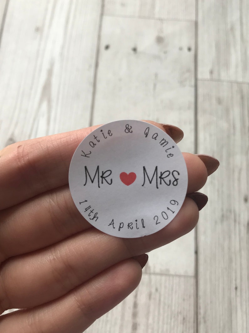 Personalised round sticker for weddings favour bags seals confetti bags candy buffet enevlope seals jar stickers wedding stationary design 6