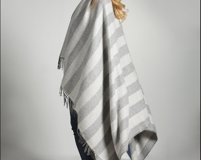 Gray 100% Real herringbone Woven Baby Alpaca Throw Blanket -  Mix blankets made in Peru