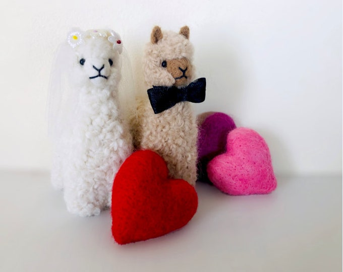 Bride & Groom Set wedding alpaca Needle Felted Alpaca Sculptures: Felted Animals by Hand in Alpaca Fiber made in peru 5 IN