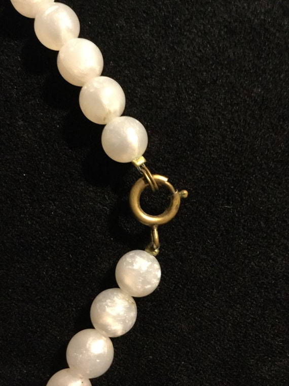 Vintage White and Gold Lucite and Glass Bead Choker Necklace 1940s