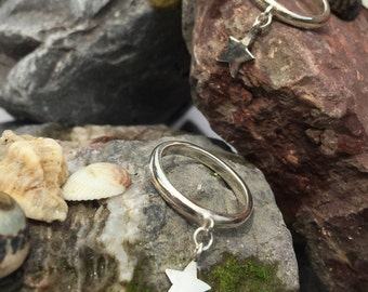 Silver Ring with a beautiful Dangling Star - Handmade