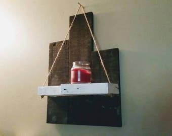 Small Rustic Pallet Shelf