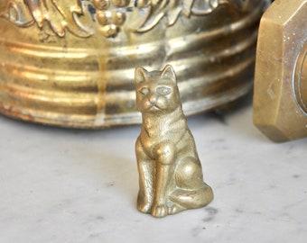 Vintage solid brass cat - cat ornament, gold cat - vintage, boho decor, bohemian - cat paperweight, desk companion - vintage brass kitty