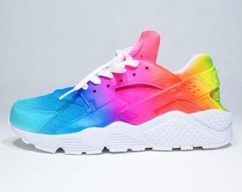 New Custom Nike Rainbow Ombré   White Air Huaraches 6ae1e97e6eb9