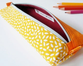 Pencil case / pouch for pens (fabric grain of rice / jaune_orange_rouge)