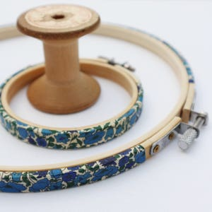 Blue Embroidery hoop frame Hoop-La frame Blue /'Susanna/' liberty arts fabric Tana Lawn Fabric Wrapped Embroidery Hoop Embroidery Hoop Art