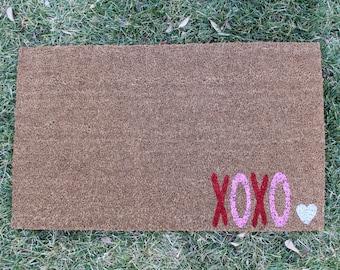 XOXO doormat - custom doormat - valentines day - valentines day doormat - love - xoxo - valentines day decoration - february