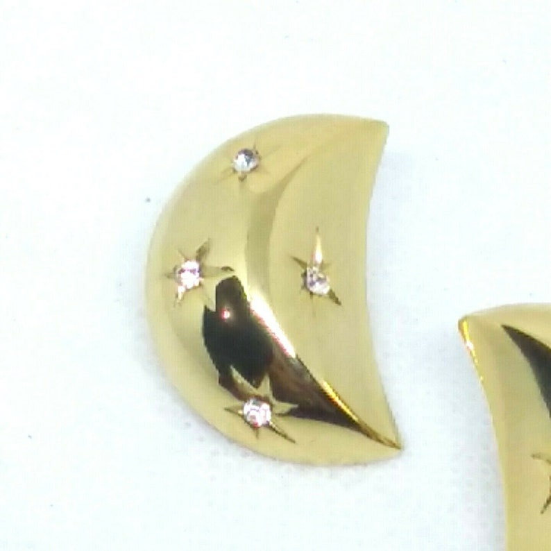 Crescent Half Moon Clip Earrings Gold Tone Scattered Rhinestones Stars Atomic