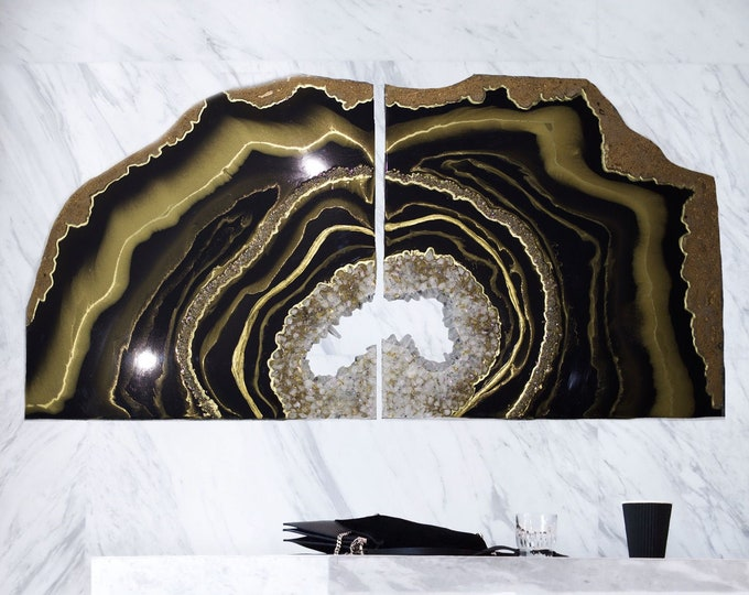 Featured listing image: Table Geode black and gold
