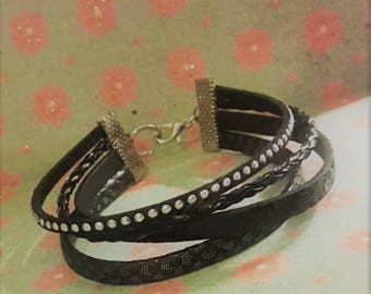 Bracelet imitation leather four rows.
