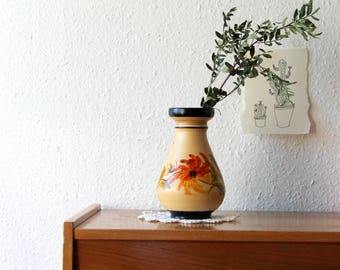 Vase vintage hand-painted with flowers