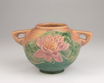 Beautiful Pink Embossed Water Lily Vase