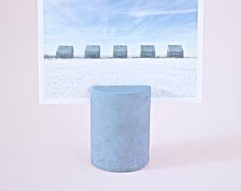rae \ concrete photo holder