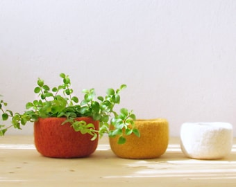Little storage baskets, fall decor, felt wool bowls, Orange yellow and white, Eco-friendly gift, desk organize, housewarming gift for her