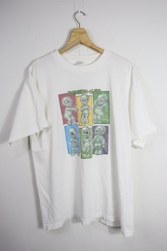 Vintage Macarena Alien pop art (XL)