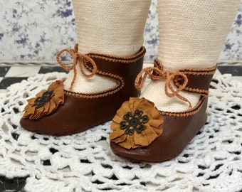 """Leather doll shoes 7,6 cm  -   3 """"  French style for an antique doll brown and yellow ocher ."""