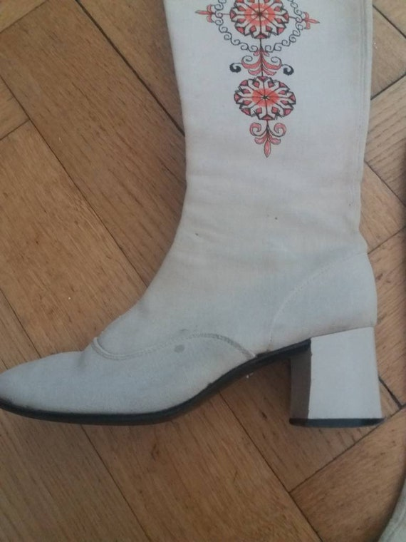 Amazing 1960s 1970s embroidered go go canvas boots