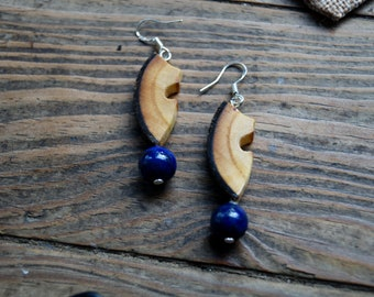 Eärendil - Wood with almond and Lapis Lazuli earrings