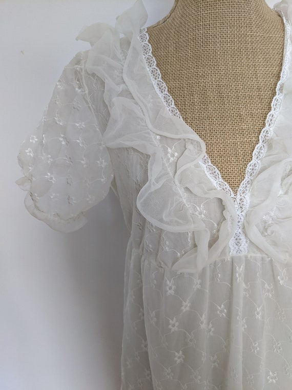 1970's embroidered chiffon nightdress - image 2