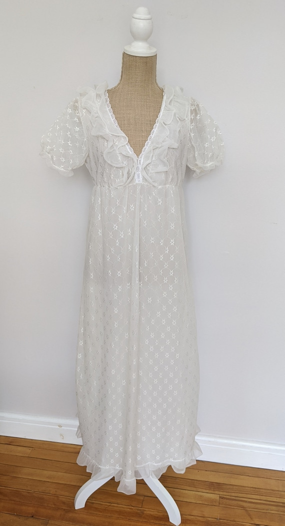1970's embroidered chiffon nightdress - image 4