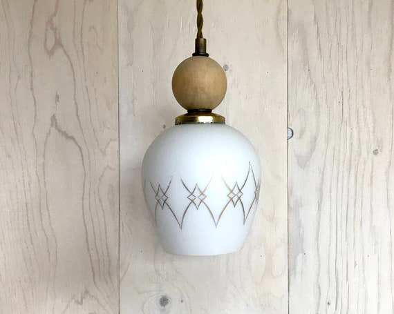 Dame de carreau - Upcycled lighting - Pendant light - white and gold glass globe, brass metal and wood