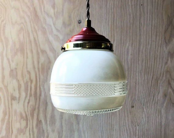 Manon - Upcycled lighting - Pendant light - Glass globe and brass and red metal
