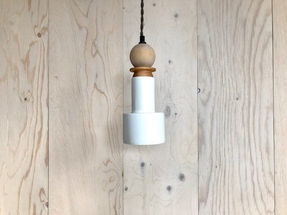 Pauline - Upcycled lighting - Pendant light - White metal, blond and white wash wood