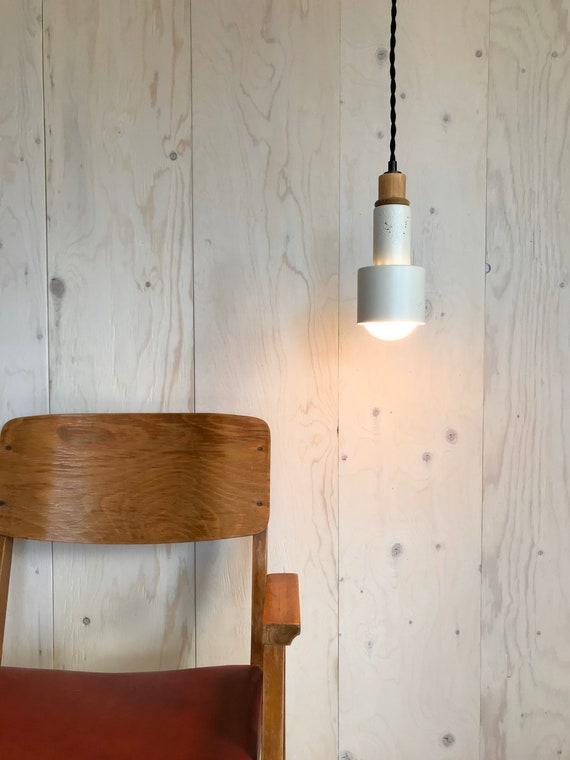 Paulette - Upcycled lighting - Pendant light - Off white metal and blond wood