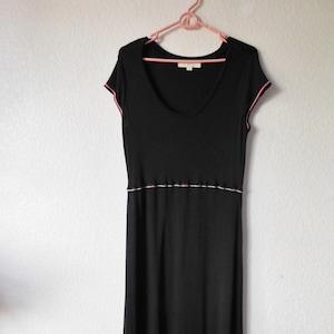 Ann Taylor cotton sleeveless sun dressempire waist lined sun dresswhite blue lines flower embroidered sun dressA line sun dress size 2