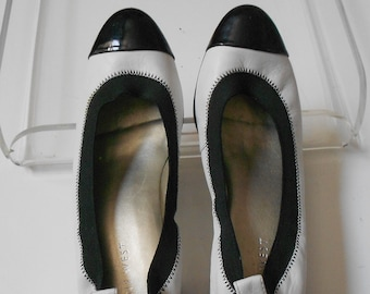 ed7ddc3ab7 Nine West True Bluer leather upper block pump black white made in Brazil  size 7.5
