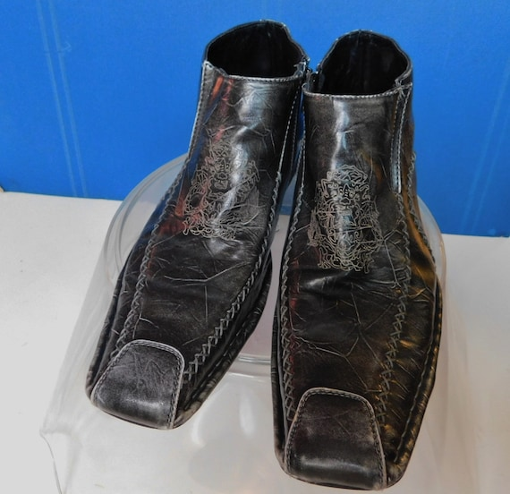 BB &W Classic black leather cowboy ankle boots/toe