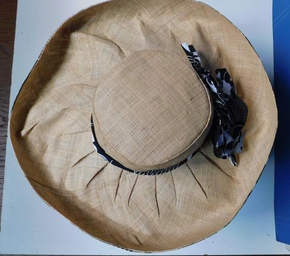 vintage wide brim sunhat/black white floral ribbo… - image 9