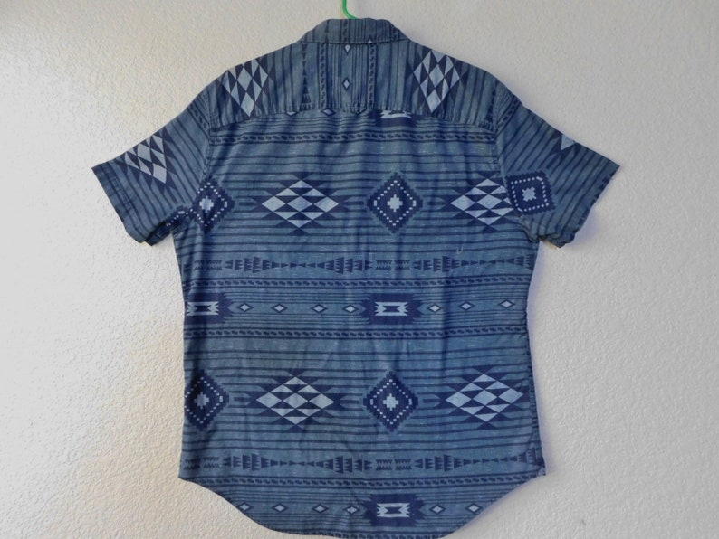 Men/'s cotton short sleeve button down shirtUrban PipelineAztec themesize L